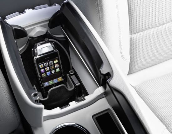 mercedes benz iphone cradle 1 dREdU 11536