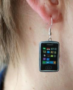 iphone_earrings