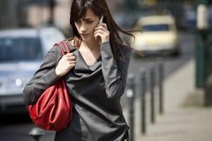 xperia_X2_Women_talking_on_phone_5