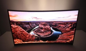 Curved_OLED-TV_4