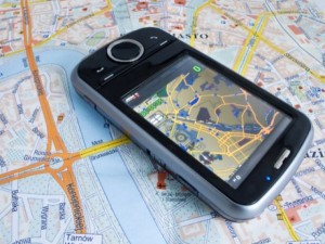 gps-mobile-phone-tracking1-e1304425712715
