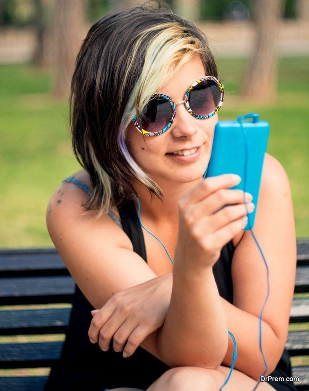 DIY glitter phone